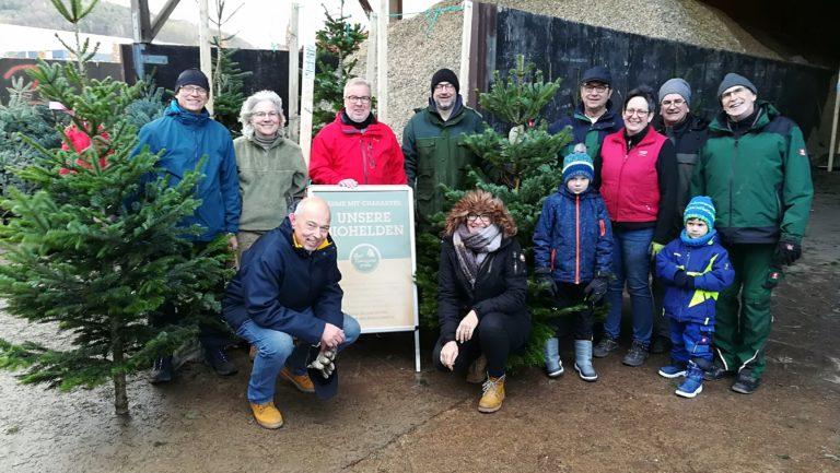 Neuer Spendenrekord beim Weihnachtsbaumverkauf für Martinskirche